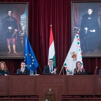 Fővárosi Közgyűlés: Karácsonyt a Viszkis rablóhoz hasonlították