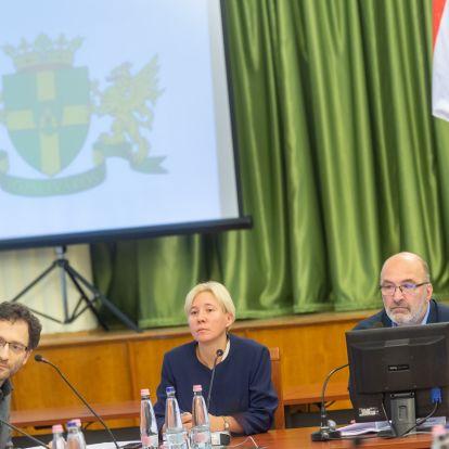Az átláthatósági program kidolgozásában Józsefvárosban a bal-liberális polgármester által kiválasztott bal-liberális szervezetek segítenek