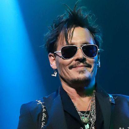 Nem vicc: Johnny Depp olyan Michael Jackson musicalen dolgozik, ami a sztár kesztyűjének szemszögéből meséli el a történetet