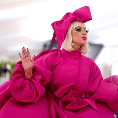 10 éve nem hittük volna, hogy Lady Gaga ilyen nőies is tud lenni: az énekesnő teljesen stílust váltott