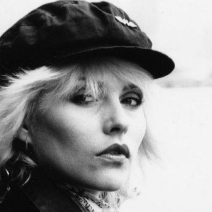 Debbie Harry heroinról, szőkeségről és a zene hatalmáról | Elle magazin