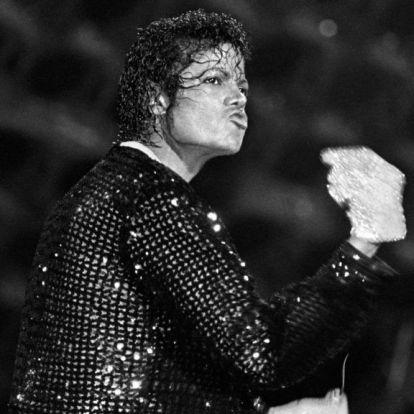Michael Jackson kesztyűje mesél Johnny Depp készülő musicaljében
