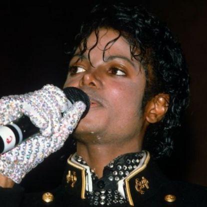 Árulkodó kesztyű mesél Michael Jackson életéről egy bizarr sztoriban