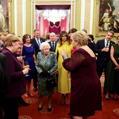 Erna Solberg kommenterer blinkskuddet med dronningen