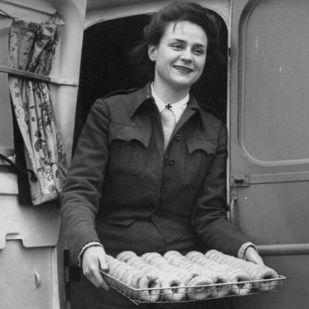 """Édességekkel küzdöttek a háború borzalmai ellen az amerikai """"fánkos babák"""""""