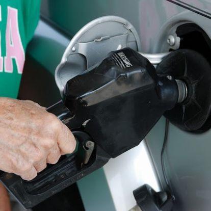 Az üzemanyag adójának emelése ellen tüntetnek a francia teherszállítók
