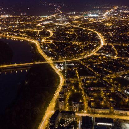 Lélegzetelállító felvételeken tárulnak elénk Szeged éjszakai fényei