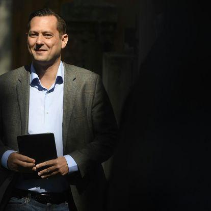 Molnár Zsolt szerint őt próbálják drogos szexparti gyanújába keverni