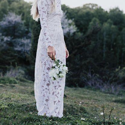 Gyönyörű esküvői ruhák télre: hosszú az ujjuk, mégis minden részletükben nőiesek
