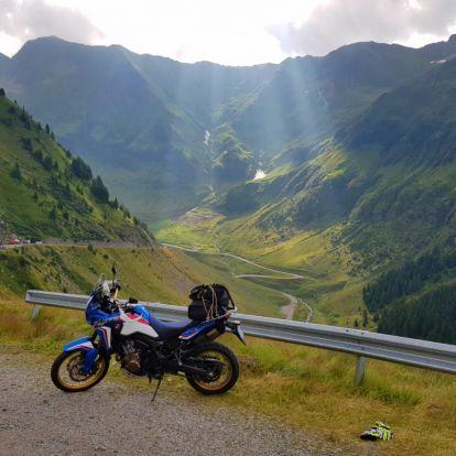 Paradicsom a felhők felett – motoros túra a Fogarasi-havasokban