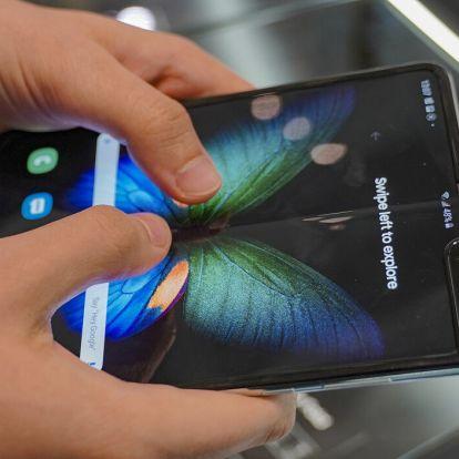 Majdnem 700 ezer forint. De megér ennyit az első hajlítható telefon? Teszt.