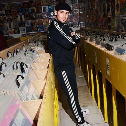 Az 50 éves Superstar magyar képzőművészekkel kollaborált
