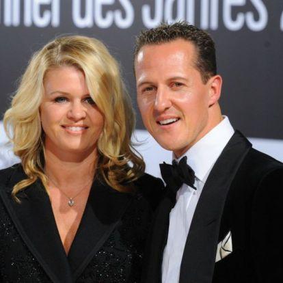 Schumacher feleségének rejtélyes üzenete: A nagy dolgok kis lépéssel kezdődnek