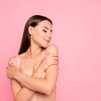 Így néz ki egy molett nő teste valójában, Photoshop nélkül: ez a bátor influencer megmutatja