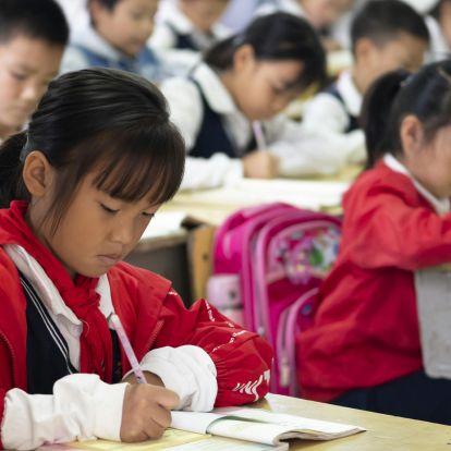 Kína kitiltja iskoláiból a külföldi tananyagokat