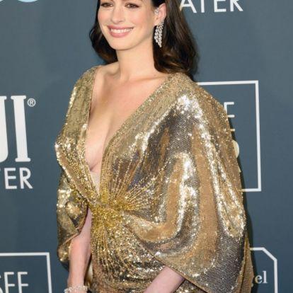 Így néz ki Anne Hathaway néhány héttel a szülés után – Fotók!