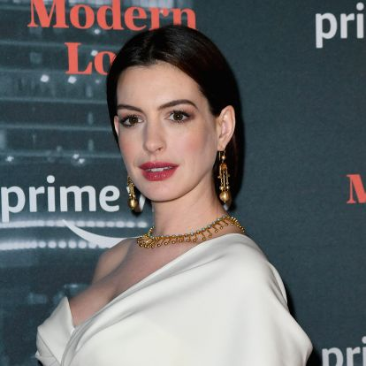 Anne Hathaway's Gold Dress At The Critics' Choice Awards Is Proof That Puffed Sleeves Will Be All Over The Red Carpet In 2020