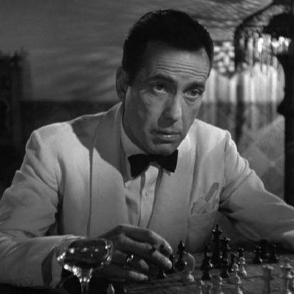 Az arcát ért ütésnek köszönhette jellegzetes mosolyát Humphrey Bogart