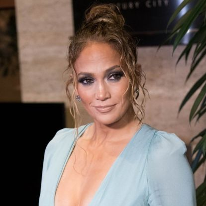 J.Lo's Blonde Highlights Look So Different Than Her Previous Lob