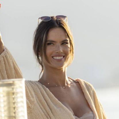 Itthon is kisüt a nap a celebnők bikinis fotóitól