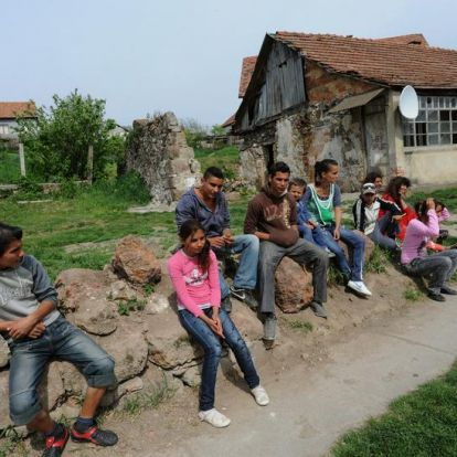 """""""Szégyelljék magukat"""" jeligére gyűjt pénzt a gyöngyöspatai romáknak a Polgár Alapítvány"""