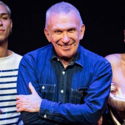 Jean Paul Gaultier se despide de las pasarelas en su último desfile tras 50 años en el mundo de la moda