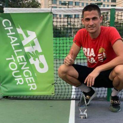 Egy 0:6-os szett sem rogyasztotta meg a magyar teniszezőt