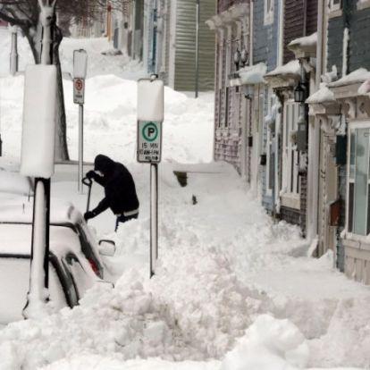 Közel 80 centi hó hullott le két nap alatt egy kanadai városában