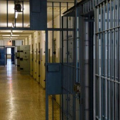 Megjelent a kormányhatározat a börtönkártérítések felfüggesztéséről