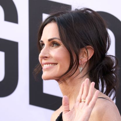 This Is The Easiest Outfit Formula For Winter, According To Courteney Cox