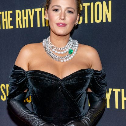 Blake Lively's Latest Look Confirms That Gloves Are Going To Be One Of 2020's Biggest Trends