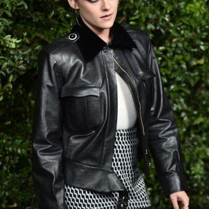 Két év alatt elég nagy stílusváltáson ment át Kristen Stewart