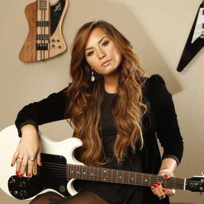 Fehér poros orrtól a beteljesült álomig – ez Demi Lovato nagy visszatérése