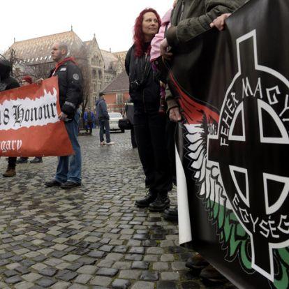A félelem és a kényelem tolja a szélsőjobb felé a Fideszt