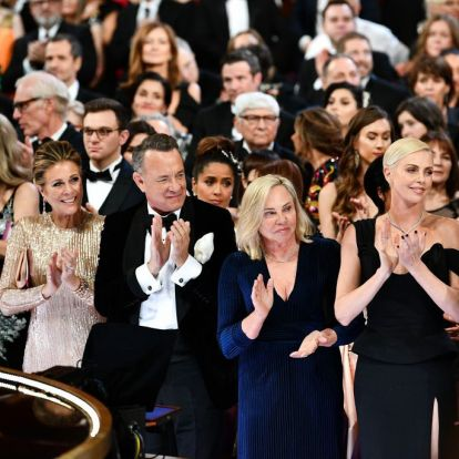 Charlize Theron lőtte az idei Oscar legmenőbb szelfijét