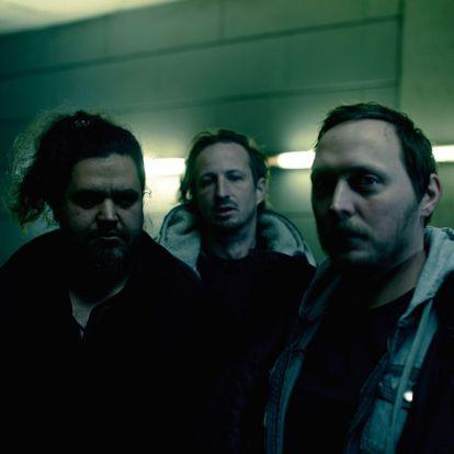 Albumpremier! Mezumm: Darkness at Noon
