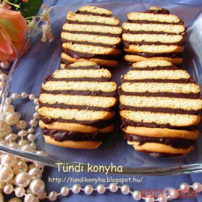 Albert kekszes süti (csíkos kekszes süti) recept - kipróbált fényképes sütemény receptek - Receptvarázs – receptek képekkel
