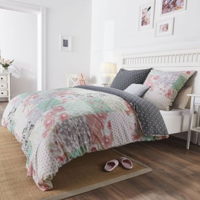 Get more for less with new reversible Lidl bedding – two duvets in one!