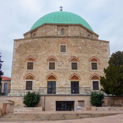 Pécs török építészeti emlékei