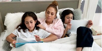 La simpática felicitación de cumpleaños de Jennifer Lopez a sus pequeños 'cocos'