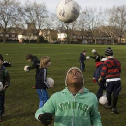 Scottish FA to ban kids heading footballs