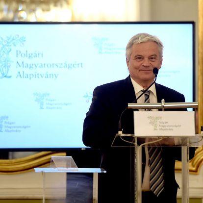 Csókay András Neurosurgeon Receives Award for Civic Hungary