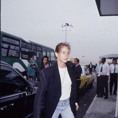 Nuestras blazers favoritas en azul marino o blanco ya las llevaba Julia Roberts en los 90, y hoy acertarás seguro