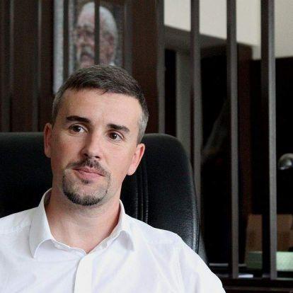 Hataloméhes kolonc vagy a Jobbik Soros Györgye? Így lett Szávay István a párt fekete báránya