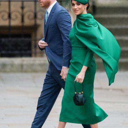 La apuesta 'lady' de Meghan en Buckingham: vestido con lazada y tacones 'nude'
