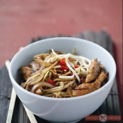 Szezámos-csirkés tészta - receptek csirkemellből - Receptvarázs – receptek képekkel