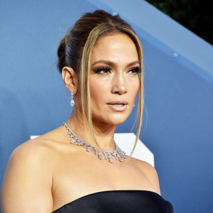 Jennifer Lopez's Space Buns Are The Ultimate '90s Throwback