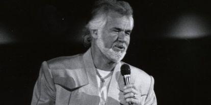 Elhunyt Kenny Rogers countrylegenda