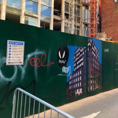 Egy új forgatási fotó szerint a Morbius egy Venom-utalást már biztos tartalmazni fog