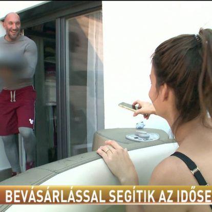 Bevásárlással segítik az időseket / Tények.hu videó
